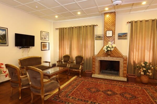 Shangrila Resort Skardu Twin bed room