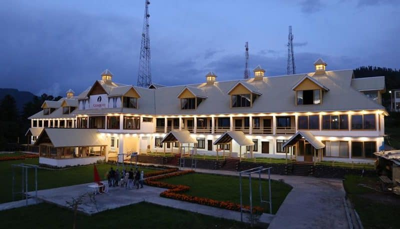 cedar_wood_resorts_0015_IMG_0649-815x458
