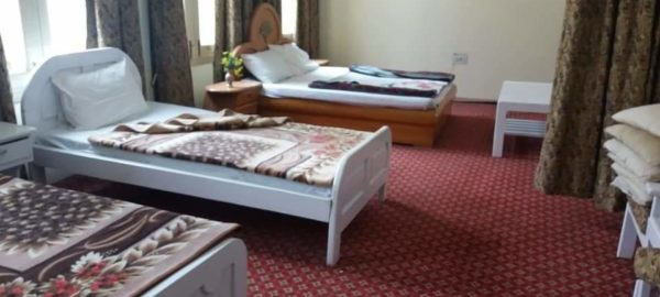 fOUR bED