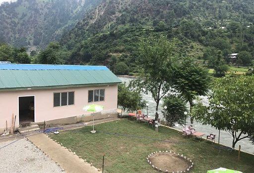 view-Pine-Park-lodges-Keran-Neelum-Valley