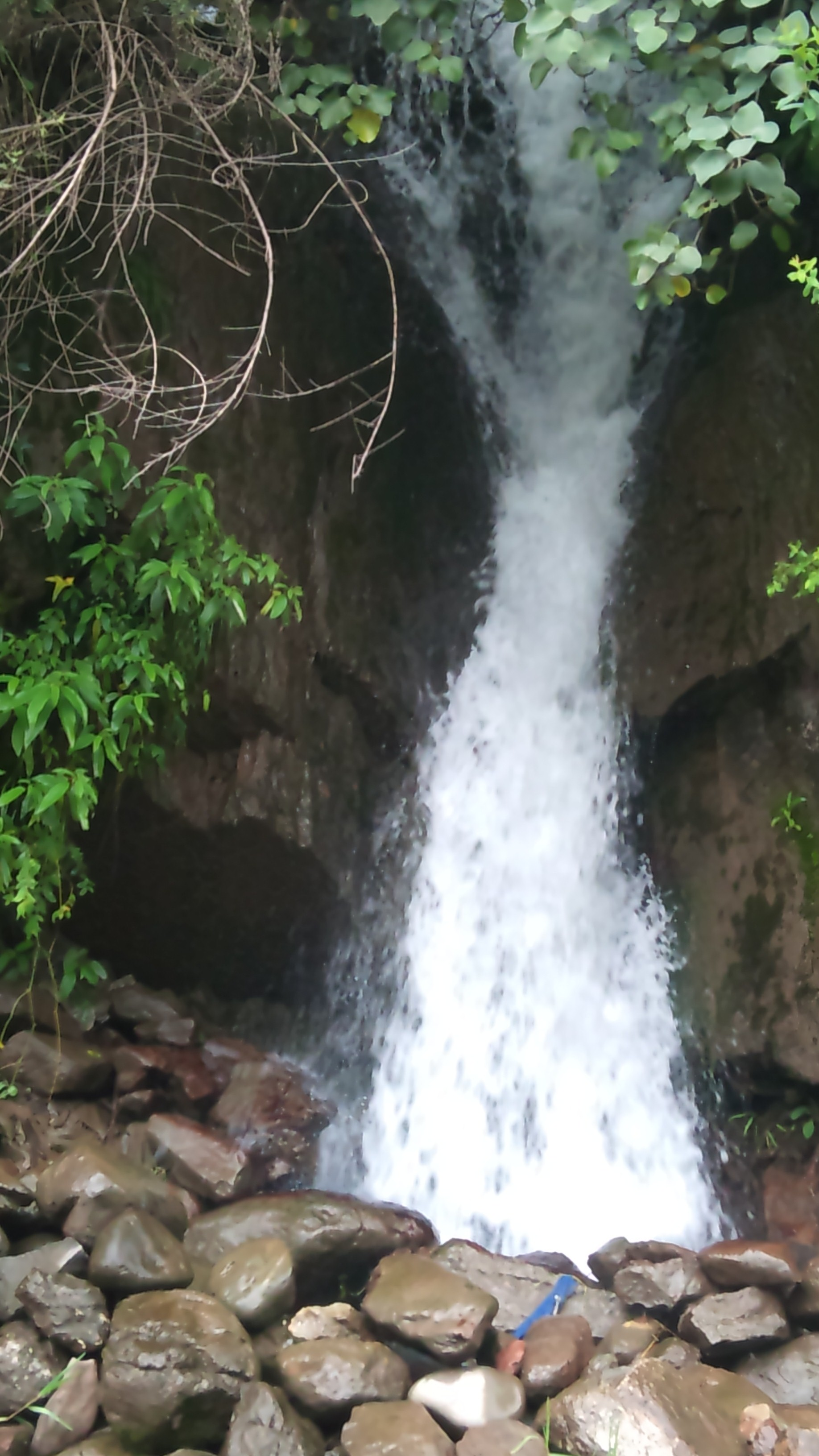 patika-mandal-waterfall.jpg